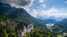 Скачать обои горы, Germany, Bavaria, Германия, панорама, Neuschwanstein Castle, замок, Замок Нойшванштайн, Бавария, долина, раздел пейзажи в разрешении 1920x1080