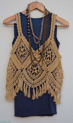 Image of Bohemian Coachella fringe crochet vest for summer of love Gilet Crochet, Crochet Diy, Crochet Woman, Crochet Stitches, Crochet Patterns, Bikini Crochet, Crochet Crop Top, Crochet Blouse, Gilet Kimono
