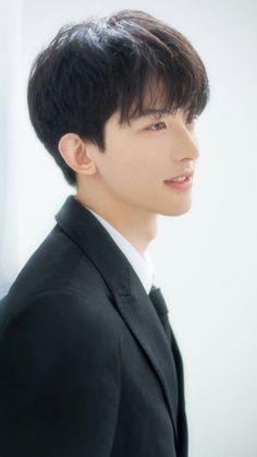 Cute Asian Guys, Cute Korean Boys, Asian Boys, Korean Boys Ulzzang, Ulzzang Boy, Beautiful Boys, Pretty Boys, Song Wei Long, Ideal Man