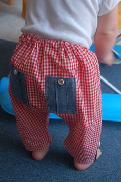 FREE: Tiny Explorer Pants pattern and tutorial