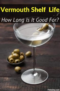 Does Vermouth Go Bad or Expire? How To Tell For Sure #Vermouth #alcohol #Fitibility White Wine Substitute, Food Shelf Life, Famous Cocktails, Types Of Wine, Wine Collection, Fine Wine, Wines, Alcohol, Wine Types