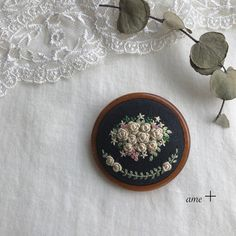 Hand Embroidery, Embroidery Designs, Vintage Design, Fall Decor, Stitches, Patterns, Crafts, Scrappy Quilts, Beading