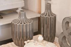 Auch moderne Deko im Scandi Style finden Sie in der Schatzkiste. Eben alles für ein schönes Zuhause. Vase, Bottle, Home Decor, Decorate Bottles, Antique Furniture, Beautiful Homes, Art Nouveau, Nice Asses, Decoration Home