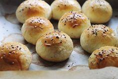 pastrama-de-pui Sandwiches, Hamburger, Bread, Food, Brot, Essen, Baking, Burgers, Meals