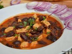 Babgulyas reteta ungureasca de gulas cu fasole boabe uscata Pot Roast, Thai Red Curry, Carne, Bacon, Vegetarian, Beef, Ethnic Recipes, Pork, Recipes