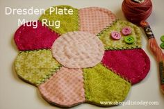 How to make a Dresden Plate mug rug, free pattern http://shequiltstoday.com/