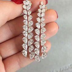 STUNNING  Pear shaped #Diamond Earrings from @atillakarat #bola3jewelry by bola3jewelry