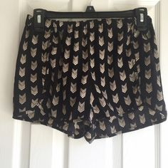 Patterned F21 Shorts Get cuteness and comfort in these great shorts from Forever 21, the black and beige pattern is just so fun! It features a silky fabric and an elastic band for some extra stretch. No trades and no PP please. Bundle discounts always available  Forever 21 Shorts