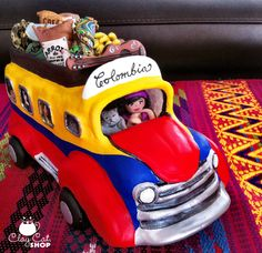 "Artesanía que representa un medio de transporte muy común en muchos de nuestros bellos pueblos de mi Amado País y que se conoce como ""Chiva"". Colombian Culture, Colombian Art, Bus Art, Clay Cats, My Roots, Polymer Clay Art, My Heritage, Anniversary Parties, American Art"
