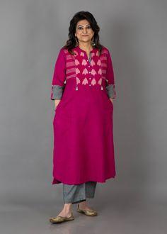 For fatty women Designs For Dresses, Dress Neck Designs, Blouse Designs, Kurta Designs Women, Salwar Designs, Indian Designer Outfits, Designer Dresses, Printed Kurti Designs, Kurta Patterns