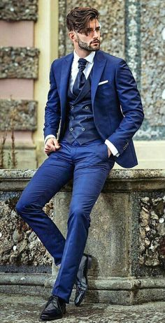 Trendy Moda Masculina Formal Suits Fashion Looks 46 Ideas Blue Suit Men, Navy Suits, Man In Suit, Burgundy Suit, Suit For Men, Dark Blue Suit, Suit Combinations, Mode Costume, Designer Suits For Men
