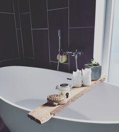 #badeværelsesdetaljer #badekar #hjemmespa #hansgrohe #badeanstalten #pilea #badeværelse #nybyggeri #funkis #funkishus #mårslet ❤️