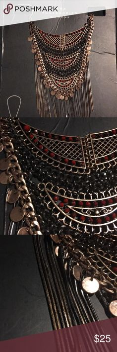 Gorgeous long necklace Beautiful detailed necklace from Zara  Never worn  Was for my prom but didn't really go with my dress. Zara Jewelry Necklaces