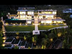 dream mansion Tour a luxury dream home designed by McClean Design, sited in Bel Air, an enclave in the foothills of the Santa Monica Mountains, California. Luxury Homes Dream Houses, Luxury Life, Dream Home Design, House Design, Bel Air Road, Dream Mansion, Bel Air Mansion, Los Angeles Skyline, Beverly Hills Houses
