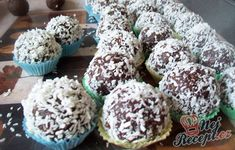 Fatima's delicious Koeksisters Recipe Koeksisters Recipe, Bailey Truffles, Oil For Deep Frying, Czech Recipes, Hungarian Recipes, Instant Yeast, Christmas Sweets, Chocolate Treats, Mini Cheesecakes