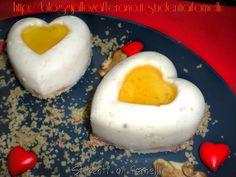 Mini cheesecake salate alle noci