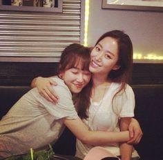 'Oh Hae-young Again' stars Jeon Hye-bin and Seo Hyeon-jin hug each other @ HanCinema :: The Korean Movie and Drama Database Seo Hyun Jin, Choi Jin Hyuk, Another Miss Oh, Jeon Hye Bin, Lee Jae Yoon, Eric Mun, Say Love You, Korean Star, Narnia