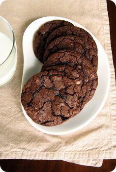 martha stewart milk chocolate cookies... Good lord someone make me these now