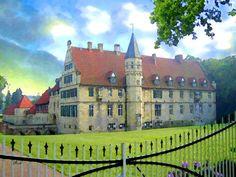 'Haus Havixbeck, Niederrhein' von Dirk h. Wendt bei artflakes.com als Poster oder Kunstdruck $22.17