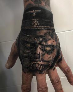 Nazi Zombie - Franky Lozano. Composición en blanco y negro. Black and grey. Franky Lozano Tattoo. Realistic tattoo black and grey.