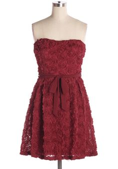 Fall in love with this beautiful red rosette strapless dress with matching waist tie. Back zipper. 70% silk, 30% polyester Not stretchy Lined 100% polyester Hand wash cold; hang dry Indie, Retro, Party, Vintage, Plus Size, Convertible, Cocktail Dresses in Canada Roses are Red Dress -