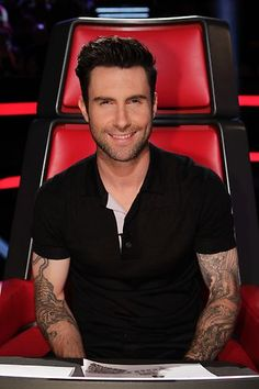 Adam Levine #LivePlayoffs Night 1