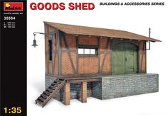 MNA35554 1:35 Miniart Goods Shed