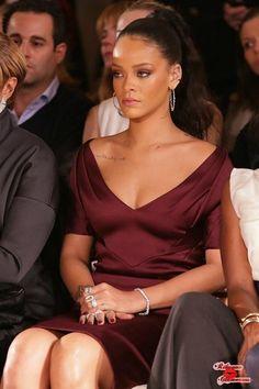 """Rihanna attending """"Zac Posen"""" Fashion Show in New York. February - Rihanna attending """"Zac Posen"""" Fashion Show in New York. Mode Rihanna, Rihanna Love, Rihanna Riri, Rihanna Style, Rihanna Fashion, Rihanna Outfits, Rihanna Dress, Zac Posen, Woman Crush"""