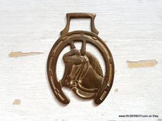1900s Horsebrass medallion Horseshoe Brass with Horse head vintage brass bronze horse shoe paperweight decorative Collectible decor N10/775