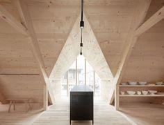 Construido en 2017 en Distrito de Bregenz, Austria. Strubobuob, una tienda contodas las agradables y útiles cosas para lacasa y el jardín, se ubica en un antiguo taller dereparación de regaderas y...