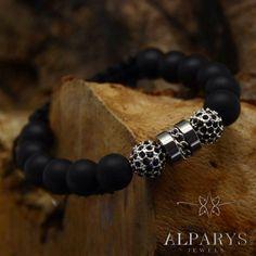 In black.        www.alparys.com