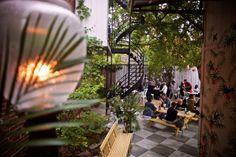 On prévoit passer plusieurs belles soirées sur la terrasse du restaurant haïtien Agrikol, cet été. L'endroit a un charme tropical fou, et tout ce qu'on y sert est d'un...