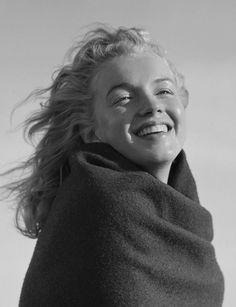 Photographies de Marilyn Monroe à 20 Ans à Malibu Beach en 1946 (11)