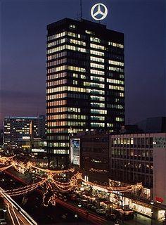 Berlin Europa Center 1994 Die Tauentzien in Weihnachtsbeleuchtung