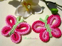 2 Wnderschöne gehäkelte Schmetterlinge in rosa/pink/grün  ca. 7 cm im Durchmesser    Häkelapplikationen ° Häkel ° gehäkelt