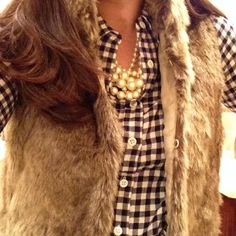 Fur vest, gingham & pearls. get hundreds of fall looks at trendslove http://www.trendslove.com/