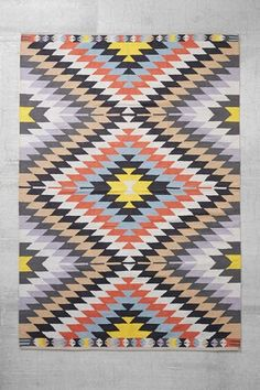 Smart Shopper's Guide: 10 Colorful, Modern Graphic Rugs Priced Right | Apartment Therapy