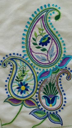 Cute Paisley embroidery Paisley Embroidery, Embroidery Suits Design, Hand Embroidery Flowers, Hand Work Embroidery, Flower Embroidery Designs, Indian Embroidery, Hand Embroidery Stitches, Crewel Embroidery, Beaded Embroidery