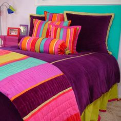 Home & Garden > Linens > Bedding Teen bedding in purple, orange, and teal capture the individuality your teenager is feeling. Let her have her way in her bedroom. Our Tween Fu Moroccan Furniture, Moroccan Bedroom, Moroccan Interiors, Purple Bedrooms, Teen Girl Bedrooms, Design Marocain, Teen Bedding Sets, Diy Home, Home Decor