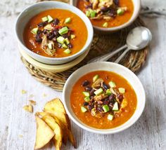 Mexican roast chicken & tomato soup: Enjoy the chunkiness of chipotle chicken and black beans combined with the smooth sweet soup, plus a kick of chilli Chicken Tomato Soup, Tomato Soup Recipes, Roast Chicken, Chicken Soups, Chipotle Chicken, Mexican Chicken, Chicken Recipes, Sweet Soup, Cooking App