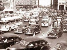 anos 50 Centro da cidade. Avenida Nilo Peçanha nas imediações da Graça Aranha e Rio Branco.