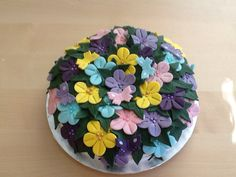 Beautyful flower and butterfly cake