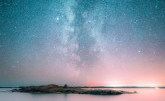 Photography: These starscapes may inspire a move to Finland || Image Source: https://i0.wp.com/media.boingboing.net/wp-content/uploads/2016/12/finland.jpg?w=1256