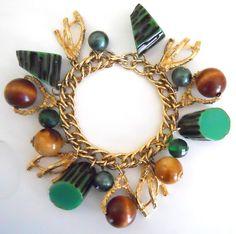 Vintage Chunky Green Bakelite Branch Wood Motif Bead Charm Bracelet
