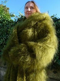 Long Sweater Coat, Jumper, Fluffy Sweater, Mohair Sweater, Wool Sweaters, Cardigan Sweaters, Long Cardigan, Gros Pull Mohair, Fuzzy Coat