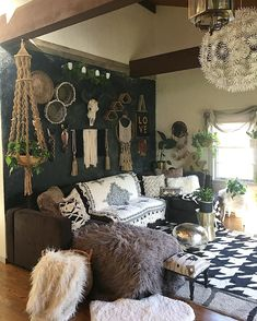 We'll give to you the Minimalist living room tomake your home better with the design you've never seen before. Take a look and enjoy the inspiring design Living Room Decor Cozy, Boho Living Room, Interior Design Living Room, Living Room Designs, Living Spaces, Bohemian Living, Home Decor Styles, Bohemian Homes, Eclectic Style