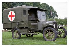 Ford Model T Field Ambulance 1916 canvas on wood frame model used extensively by the British French as well as the American Expeditionary Force in World War One. Top speed from a 4 cylinder water cooled engine. Ford Motor Company, Vintage Trucks, Old Trucks, Fire Trucks, Rescue Vehicles, Army Vehicles, Ford Modelo T, Emergency Vehicles, World War One