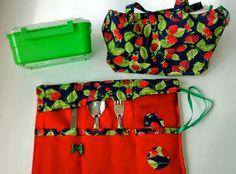 Porta marmita incluso talheres (garfo, faca e colher), uma toalhinha e a marmiteira. ateliemadrica@gmail.com