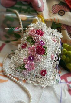 How to Crochet Mobile Cell Phone Pouch for iPhone Samsung Crochet Handbags, Crochet Purses, Crochet Doilies, Crochet Lace, Crochet Flower Patterns, Crochet Designs, Crochet Flowers, Crochet Bouquet, Crochet Phone Cover