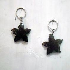 Cute 2 Starfish Handmade Keychain Handycraft Coconut Shell Carved GK5